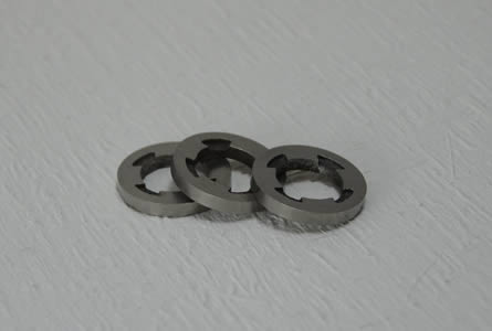 Irregular ring alnico magnet